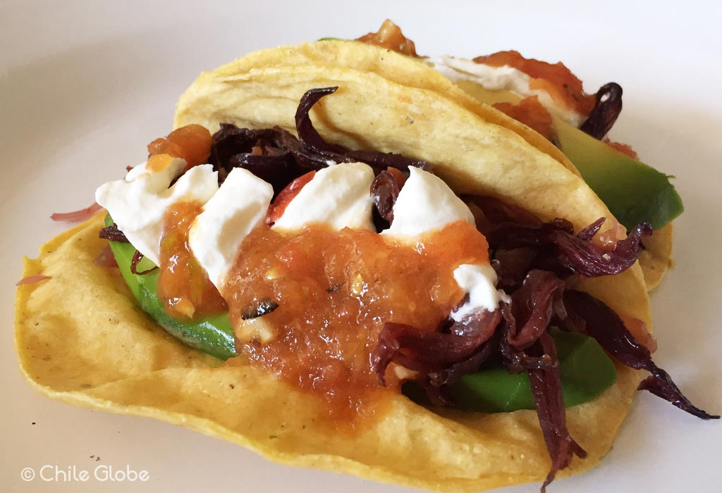 Tacos De Flor De Jamaica Con Salsa Roja Mexicana